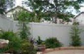 Dar su patio fresco y colorido cirugía estética con la cerca del vinilo
