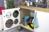 Organizar armarios desordenados con sugru. Por último - una buena solución para tapas de bote!