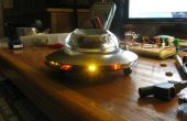 Steampunk UFO de escritorio con luces de LED persiguiendo