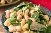 Ensalada de Pasta de 20 minutos con camarones y espinacas