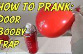 Cómo trampa una puerta con un globo y crema de afeitar
