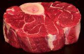 Vegetales saludables y carne perro trata