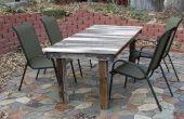 Convertir una puerta rota en una mesa de jardín rústica
