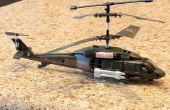 Un RC de 3 canales (giro) helicóptero del vuelo.