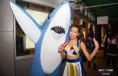 Cómo hacer un disfraz de tiburón mascota