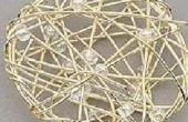 Envuelto círculo colgante con perlas y abalorios de alambre