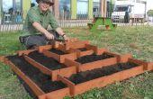 Ranura a plantador del jardín pirámide