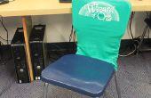 Reciclar viejas camisetas en cubiertas de asiento de aula