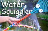 Agua de la manguera Squiggler y espantapájaros