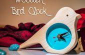 Reloj de madera del pájaro