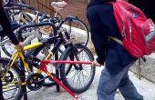 Cómo hacer la bicicleta busque un desánimo horrible de ladrones