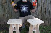 Par o ' taburetes con un par de o herramientas