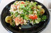 """Simple fresco de verano de quinua y la col rizada """"Ensalada de Tabouli""""-vegana, libre de gluten"""