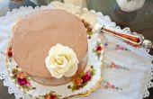 Pastel de chocolate libre de gluten con crema de manteca merengue suizo con sabor chocolate oscuro sal de mar