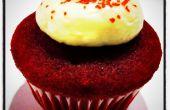 Terciopelo rojo Mini Cupcakes con glaseado de queso crema