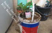 Cómo hacer el indicador de nivel de cuchara de jardinería con agua