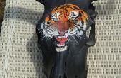 Fresco tigre cabeza pintada de esqueleto de la cabeza del Toro