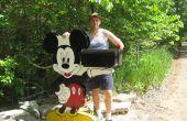 Mickey Mouse con su buzón de correo