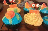 Cómo hacer playa temática Cupcakes con decoraciones de tortuga y el cangrejo