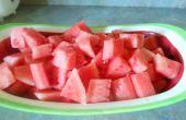 Cómo cortar (y quitar las semillas de) una sandía para una ensalada de