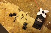 Cómo instalar esos pequeños ojales poco en los ojales de servos RC