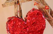 Pinata del corazón de San Valentín (estilo reciclado)