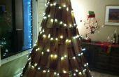 Árboles de Navidad con materiales rescatados