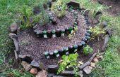 Caracol de jardín con botellas recicladas