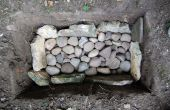 Cómo construir un horno de hoyo (y cocinero A salmón en él)