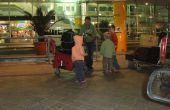 Cómo que nunca pierden sus hijos en lugares concurridos como aeropuertos