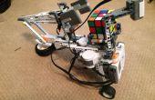 LEGO Robot que resuelve un cubo de Rubik