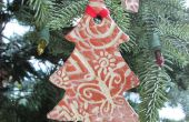 Etiqueta del regalo de la decoración del árbol