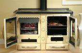 Cocinar en una cocina de madera de la estufa