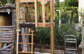 Casa Club / del juego casa sobre ruedas con caja de arena de madera reciclada