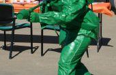 Soldado de juguete de plástico verde con traje de Lanzallamas
