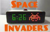 Reloj de escritorio de invasores del espacio
