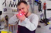 Cómo hacer una pistola semi-automática de goma con un láser vista - Tutorial