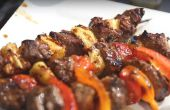 Cómo cocinar un delicioso brochetas de filete a la parrilla