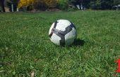 Cómo disparar correctamente un balón de fútbol