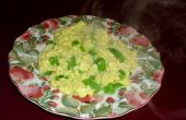 Huevos revueltos con queso y pimientos verdes