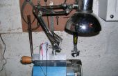 Abrazadera en v 12 lámpara de Anglepoise para torno de madera hecha de material reciclado.