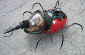 (ROJO) Insectos decorativos hechos de basura plástica