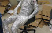 Cómo hacer una escultura humana de cinta
