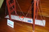 Chatarra de Metal + soldador + alambre + pintura = puente Golden Gate (bien de)