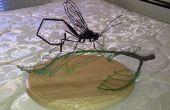 Escultura - de alambre mujer avispa Pelecinid