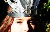 Corona de plumas de plata