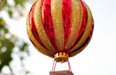 Cómo hacer un ornamento de globo de aire caliente