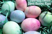 Huevos de Pascua teñidos crema de afeitar