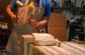 Tornillo de banco de madera de una vieja pinza