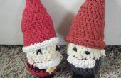 Crocheted gnomos/enanos (como Santa)!